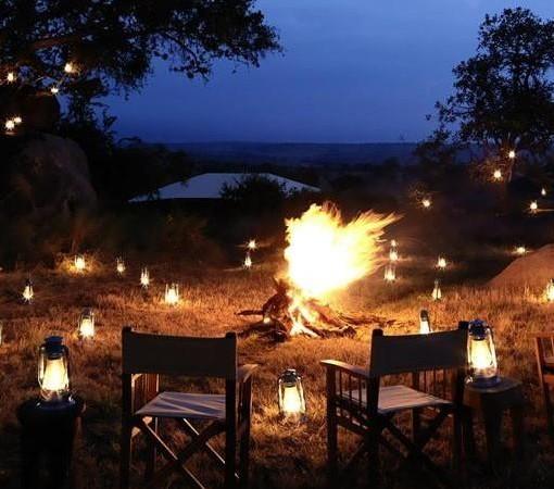 Serengeti-Bushtops-camp fire