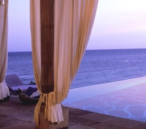 Alfajiri-Beach-House-Infinity-Pool-Villa