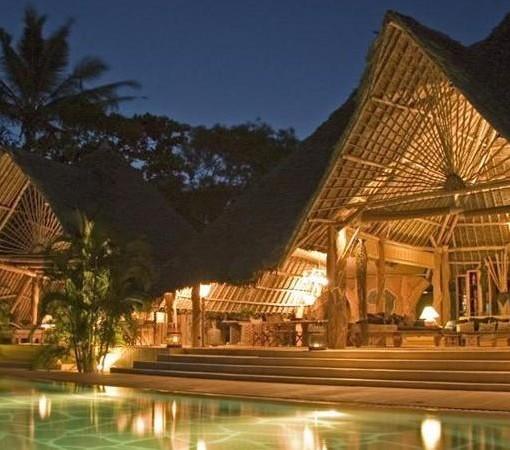 Alfajiri-Garden-House-Main-area-and-pool-evening