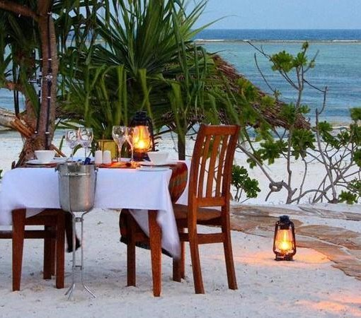 Azanzi-Beach-Hotel-Private-Dinner