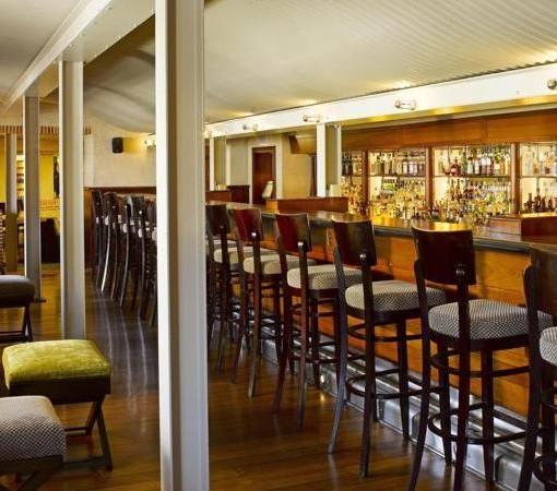 Cape-Grace-Bascule Bar1