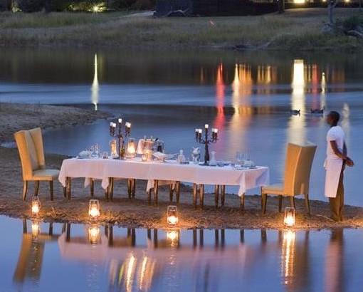 Chitwa - dining outside