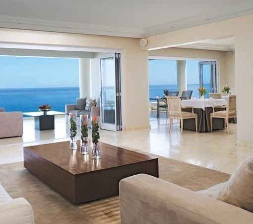 Clarendon Bantry Bay-Lounge and Dining