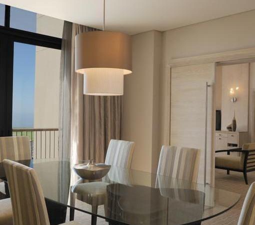 Hyatt-Regency-Oubaai-Junior suite dining