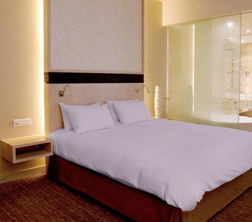 Hyatt-Regency-Oubaai-Junior suite room
