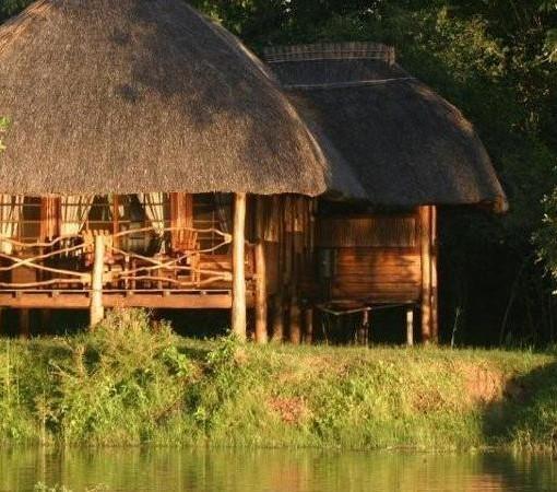 Kafunta River Lodge chalet exterior