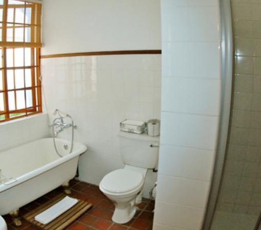 Klein-Waterval-Bathroom