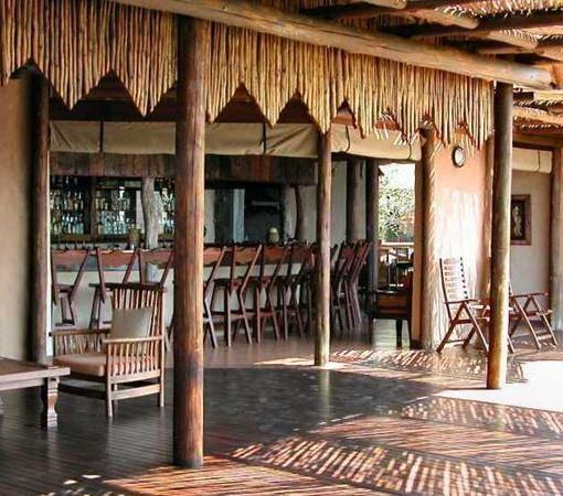 Lukimbi-Covered Bar Area