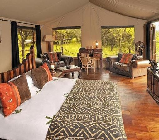 Serengeti-Migration-bedroom interior