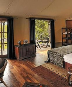 Serengeti-Migration-bedroom interior wide