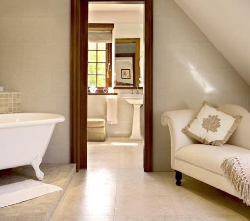 Steenberg-Heritage Suite - Cape Colonial Bathroom