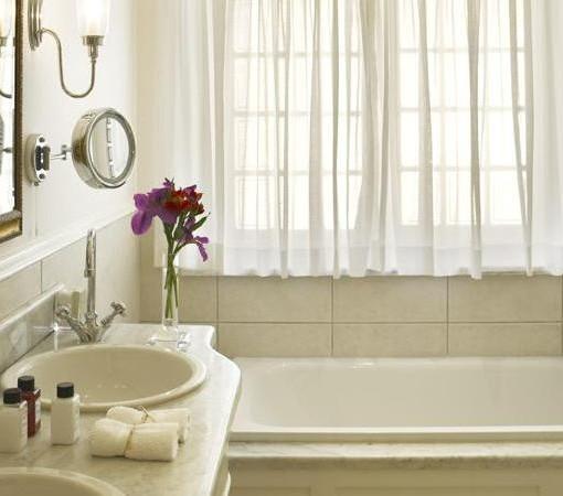 Steenberg-Manor House - Room 12 Bathroom