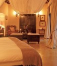 Tinga-Legends-Lodge-Suite-Bedroom