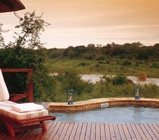 Tinga-Legends-Lodge-Suite-Pool
