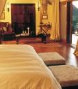 Tinga-Narina-Lodge-Suite-Bedroom