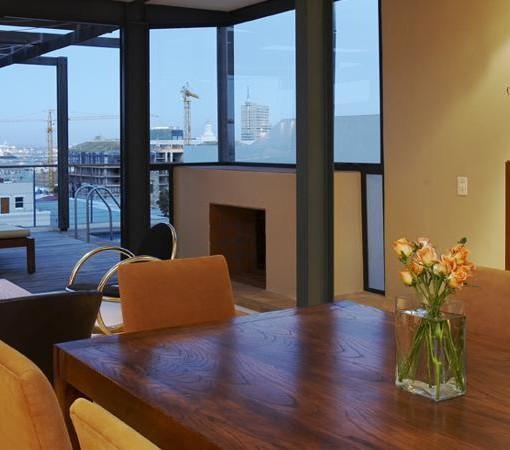Waterfront-Marina-Dining + Lounge pic2