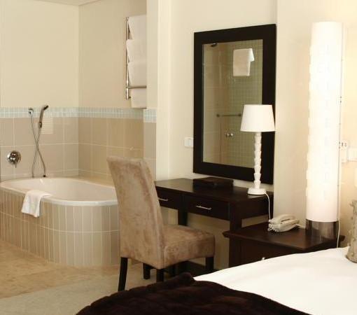 Waterfront-Marina-WFV Classic Bedroom