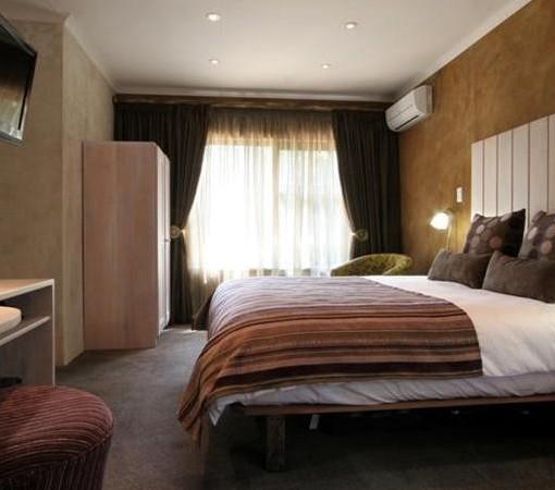 african-rock-hotel-room-1