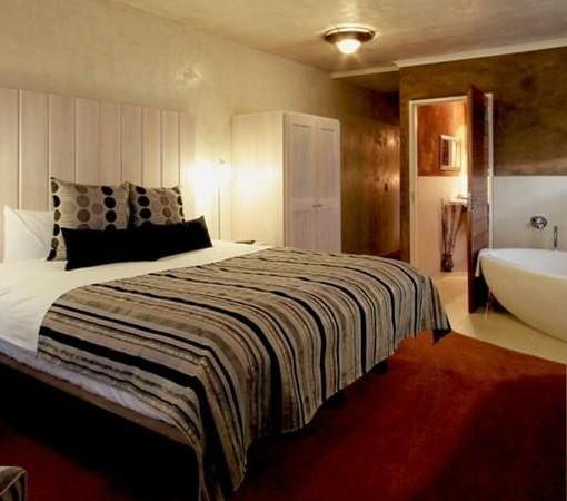 african-rock-hotel-room-2