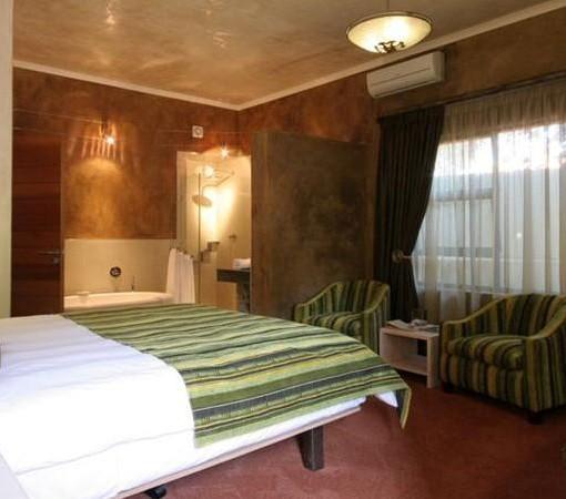 african-rock-hotel-room-3