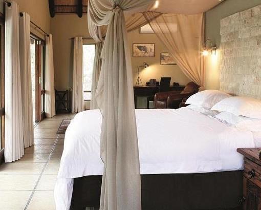 arathusa luxury bedroom
