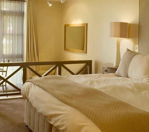 bay-hotel-Club Classic Room