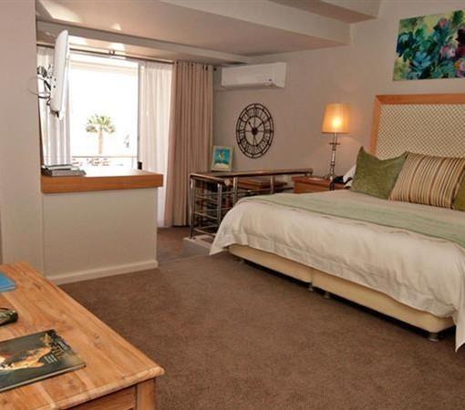 bay-hotel-Penthouse lounge (2)