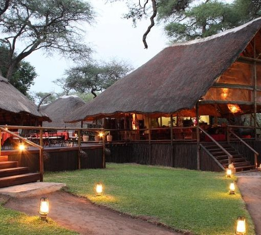 elephant-valley-lodge-front