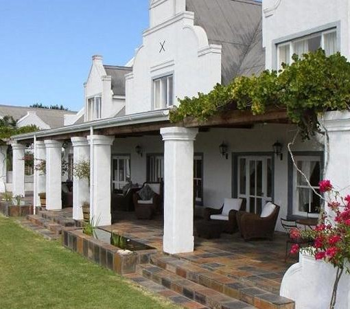 fynbos-ridge-country-house-front