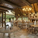 kapama-southern-camp-dining-room
