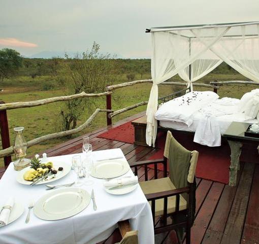 kapama-southern-camp-romantic-sleep-out