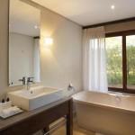 kapama-southern-camp-suite-bathroom