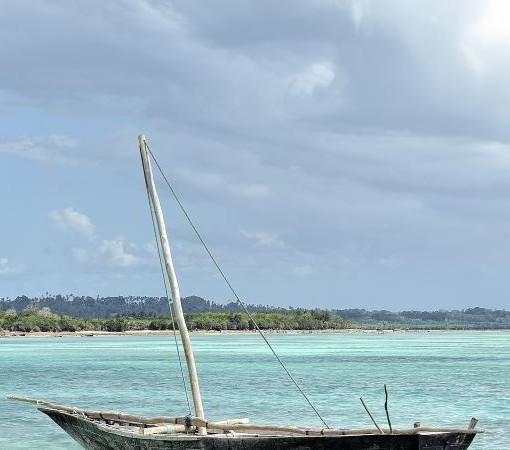 kilindi-canoe