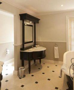 lanzerac-Bathroom 220