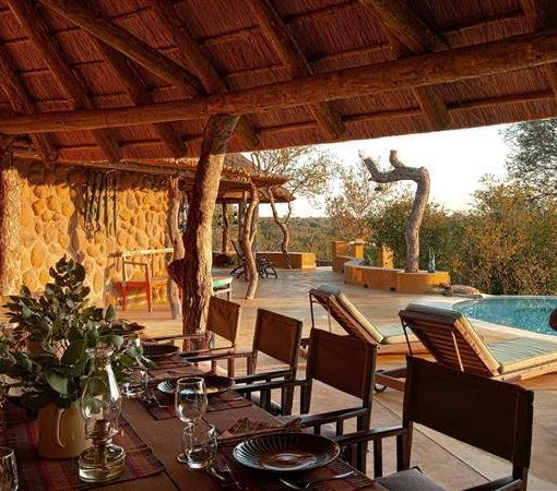 motswari-private-dining-table