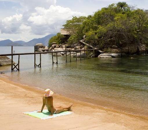 mumbo-island-camp-main beach with walkwa