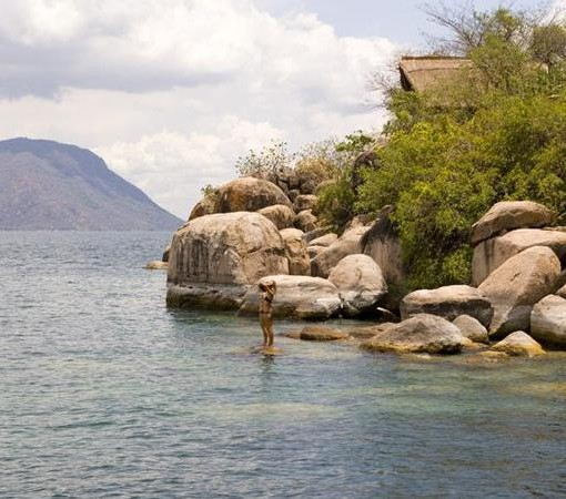 mumbo-island-camp-rocks