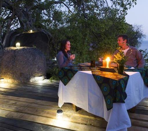 mumbo-island-camp-romantic-dinner