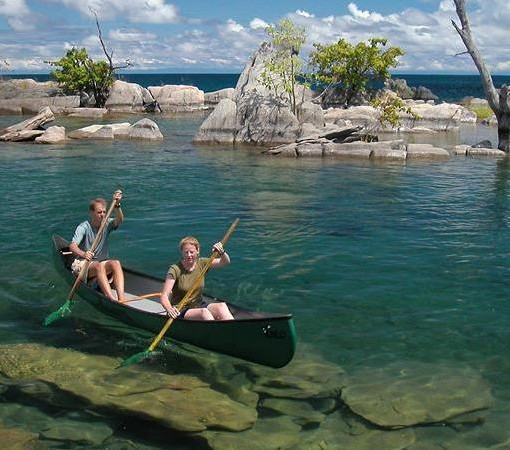 nkwichi-lodge-canoe
