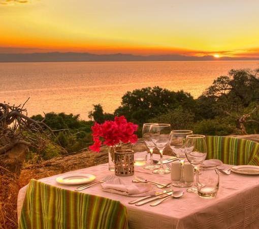 pumulani-clifftop-dinner