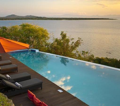 pumulani-pool-daylight