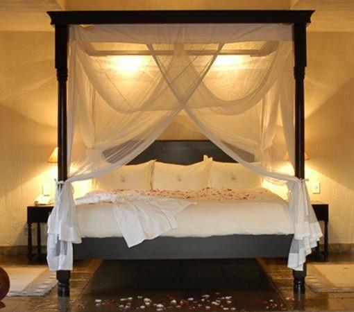 Bush Lodge Mandleve Bedroom