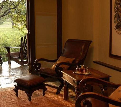 Bush Lodge STD Suite Lounge1