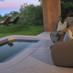 Earth Lodge – Suite Patio1