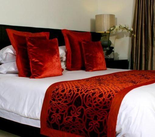 Grande-Roche-Terrace suite bedroom web