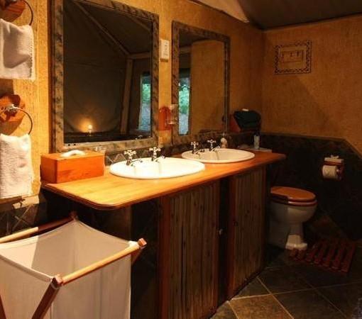 Mkuze-falls-tented-lodge-bathroom
