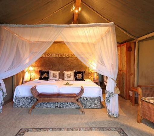 Mkuze-falls-tented-lodge-bedroom