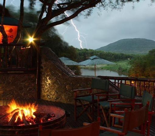 Mkuze-falls-tented-lodge-lightning-strike