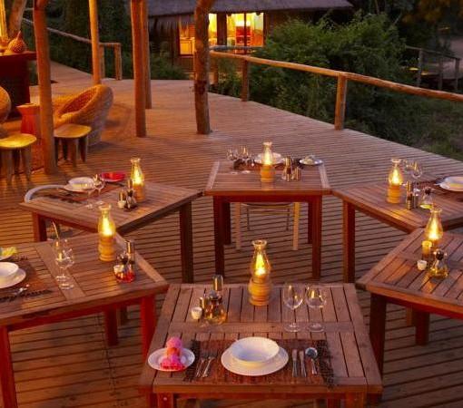 Thonga Dining Deck