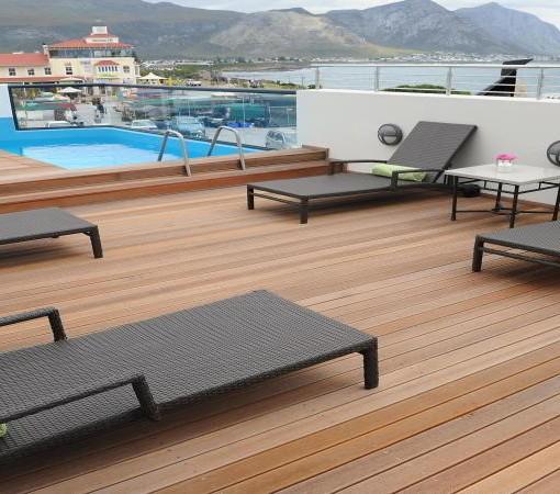 quarters-hotel-hermanus-pool-view